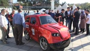 İmam Hatipli öğrencilerden Tesla'ya rakip elektrikli araba