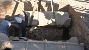 Arkeologlar tarihe ışık tutacak yeni bir bazilika keşfetti