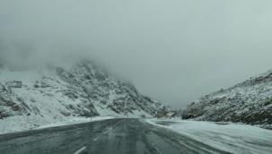 Van'da kar yağışı ve sis